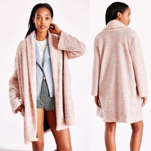 UNIF x Urban Outfitters Open Front Cozy Coat Pink